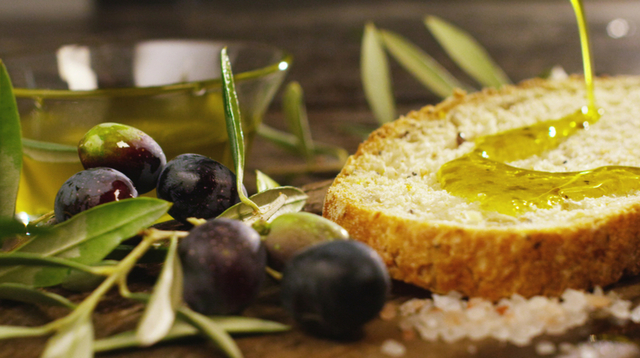 """Decreto n.27 del 9 gennaio 2018 - """"Proroga termini del DM 7143 del 12/12/2017 - Disposizioni nazionali concernenti i programmi di sostegno dell'olio di oliva e delle olive da tavola"""""""
